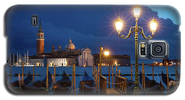 Galaxy S5 Case featuring the photograph Early Morning In Venice by Brian Jannsen