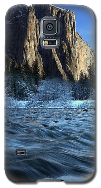 Early Morning Light On El Capitan During Winter At Yosemite National Park Galaxy S5 Case