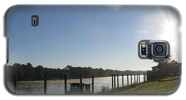Galaxy S5 Case featuring the photograph Early Morning On The Savannah River by Donna Brown