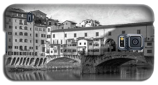 Galaxy S5 Case featuring the photograph Early Morning Ponte Vecchio Florence Italy by Joan Carroll