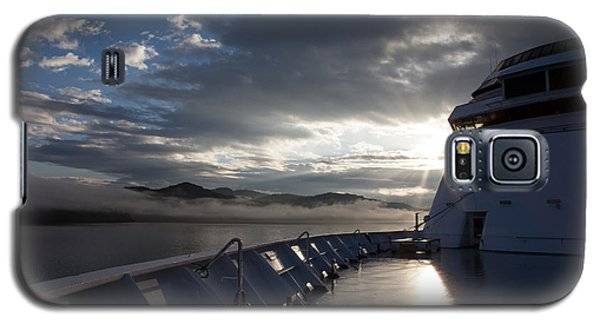 Galaxy S5 Case featuring the photograph Early Morning Travel To Alaska by Yvette Van Teeffelen
