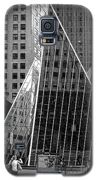 Galaxy S5 Case featuring the photograph East 42nd Street, New York City  -17663-bw by John Bald