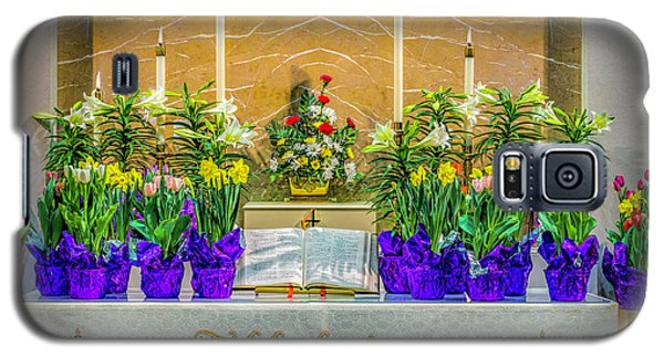 Galaxy S5 Case featuring the photograph Easter Alter And Flowers by Nick Zelinsky