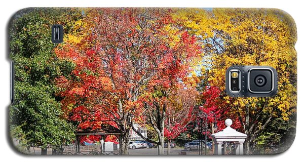Easthampton Center In The Fall Galaxy S5 Case