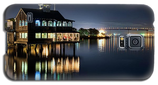 Galaxy S5 Case featuring the photograph Edgewater Grill by Eddie Yerkish
