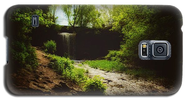 Galaxy S5 Case featuring the photograph Eerie Path At Wequiock Falls by Mark David Zahn