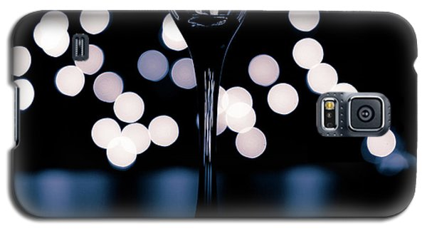 Galaxy S5 Case featuring the photograph Effervescence II by David Sutton