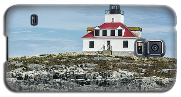 Galaxy S5 Case featuring the photograph Egg Rock Lighthouse by Anthony Baatz