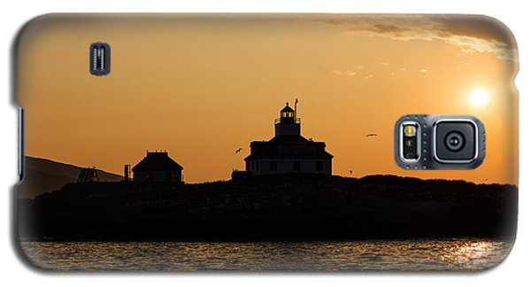 Galaxy S5 Case featuring the photograph Egg Rock Lighthouse by Gary Smith