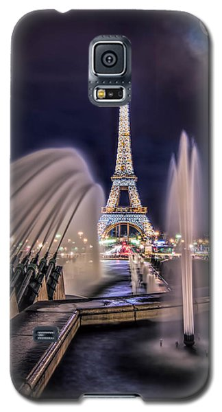 Eiffel And The Fountain Galaxy S5 Case