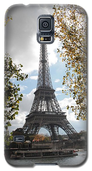 Galaxy S5 Case featuring the photograph Eiffel From Avenue De New York by Christopher Kirby
