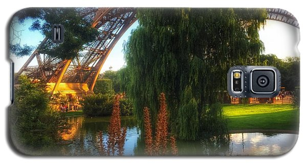 Galaxy S5 Case featuring the photograph Eiffel by Marty Cobcroft
