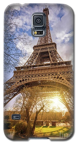 Galaxy S5 Case featuring the photograph Eiffel Sunset by Delphimages Photo Creations
