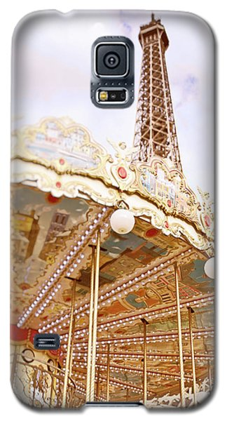 Galaxy S5 Case featuring the photograph Eiffel Tower And Carousel by Ivy Ho