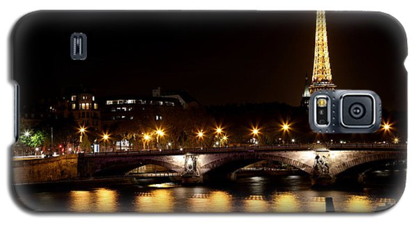 Galaxy S5 Case featuring the photograph Eiffel Tower At Night 1 by Andrew Fare