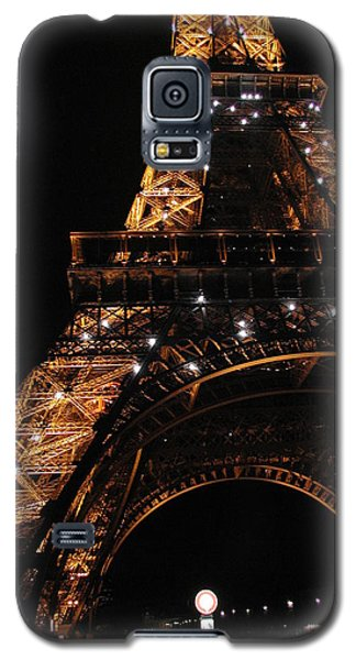 Galaxy S5 Case featuring the photograph Eiffel Tower At Night by Nancy Taylor