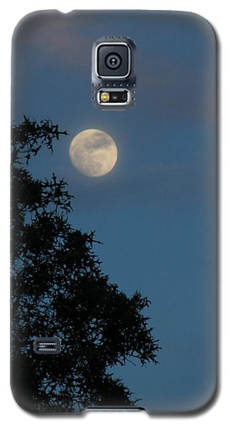 Galaxy S5 Case featuring the photograph Eight Thirty Two Pm by Greg Patzer