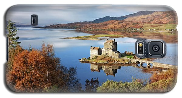 Galaxy S5 Case featuring the photograph Eilean Donan In Autumn - Dornie by Grant Glendinning