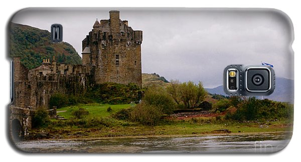 Galaxy S5 Case featuring the painting Eilean Donan by Louise Fahy