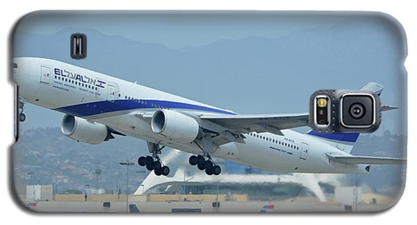 Galaxy S5 Case featuring the photograph El Al Boeing 777-258er 4x-ece Los Angeles International Airport May 3 2016 by Brian Lockett