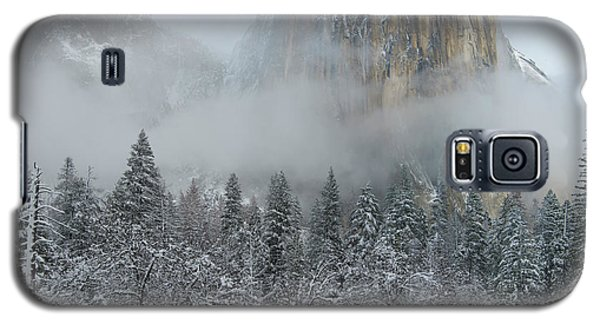 Galaxy S5 Case featuring the photograph El Capitan Majesty - Yosemite Np by Sandra Bronstein