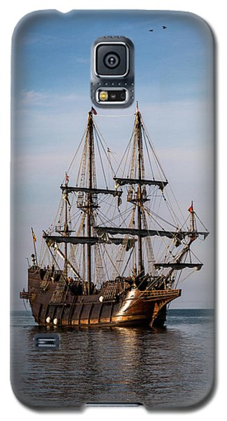 Galaxy S5 Case featuring the photograph El Galeon Andalucia by Dale Kincaid