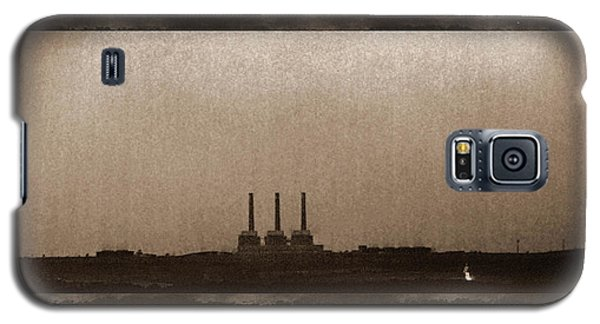 Galaxy S5 Case featuring the photograph Electric Avenue by Thomas Bomstad
