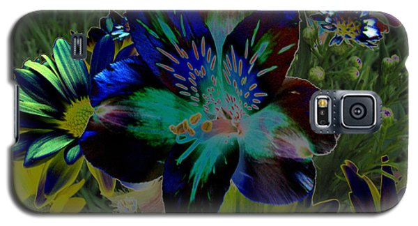 Galaxy S5 Case featuring the photograph Electric Lily by Greg Patzer