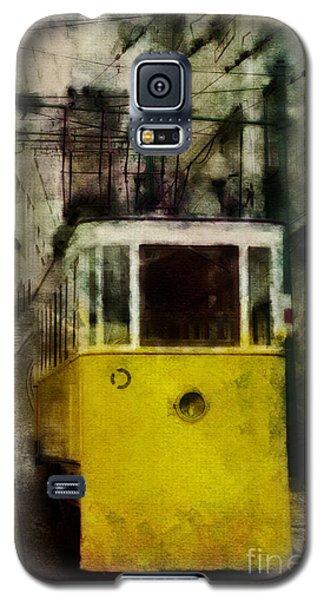 Galaxy S5 Case featuring the photograph Elevador Da Bica by Dariusz Gudowicz
