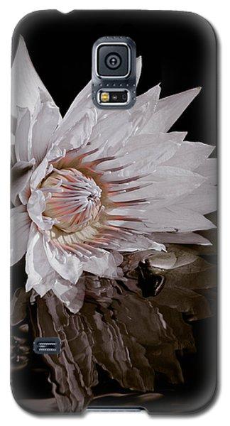 Elizabeth's Lily Galaxy S5 Case