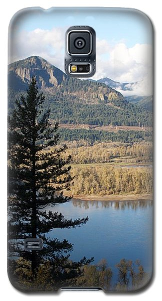 Galaxy S5 Case featuring the photograph Elowah Solo Silhouette by Dylan Punke