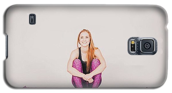 Workout Galaxy S5 Case - @emilymsmith49 The Yoga Yogi by David Haskett II