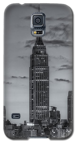 Empire State Building Morning Twilight Iv Galaxy S5 Case by Clarence Holmes