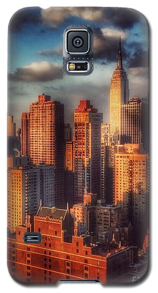 Empire State In Gold Galaxy S5 Case by Miriam Danar