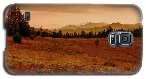 Galaxy S5 Case featuring the photograph End Of Day by Frank Wilson