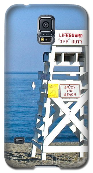 Galaxy S5 Case featuring the photograph Enjoy The Beach by Beth Saffer