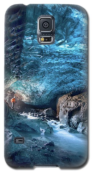Ice Galaxy S5 Case - Entering The Ice Cave by Peter Svoboda