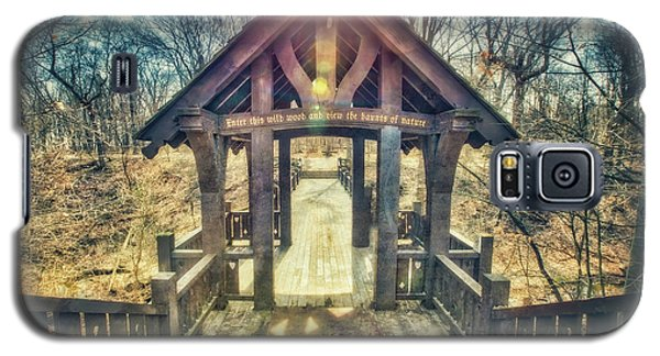 Galaxy S5 Case featuring the photograph Entrance To 7 Bridges - Grant Park - South Milwaukee  by Jennifer Rondinelli Reilly - Fine Art Photography