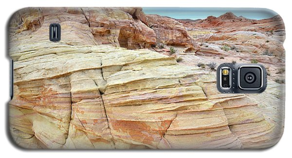 Galaxy S5 Case featuring the photograph Entrance To Wash 3 In Valley Of Fire by Ray Mathis