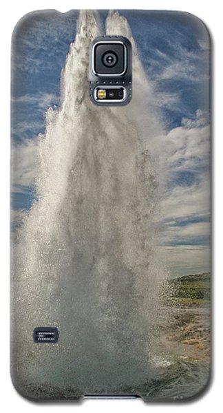 Erupting Geyser In Iceland Galaxy S5 Case