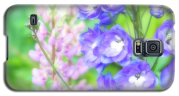 Galaxy S5 Case featuring the photograph Escape To The Garden by Bonnie Bruno