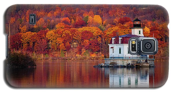 Esopus Lighthouse In Late Fall #1 Galaxy S5 Case by Jeff Severson