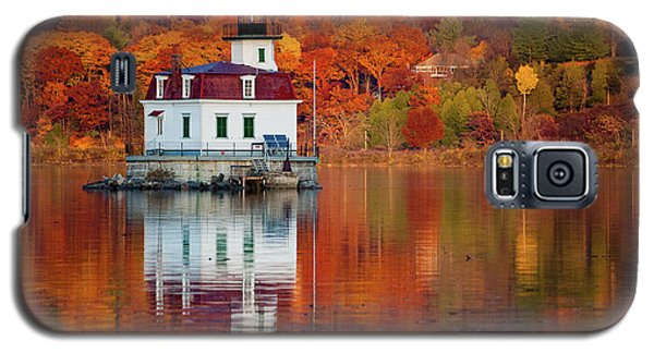 Esopus Lighthouse In Late Fall #2 Galaxy S5 Case by Jeff Severson