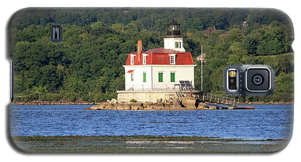 Galaxy S5 Case featuring the photograph Esopus Lighthouse In Summer #4 by Jeff Severson