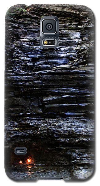 Eternal Flame Falls Galaxy S5 Case by Darleen Stry