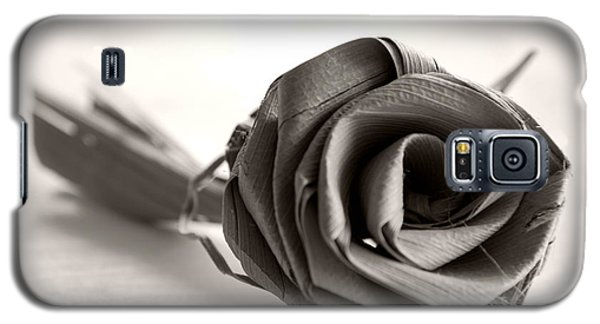 Eternal Rose In Sepia Galaxy S5 Case