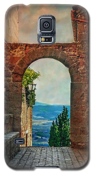 Galaxy S5 Case featuring the photograph Etruscan Arch by Hanny Heim