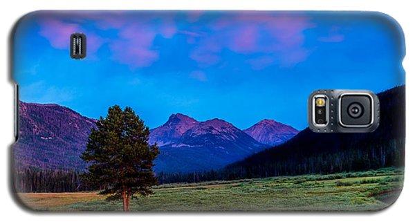 Evening At Christmas Meadows Galaxy S5 Case