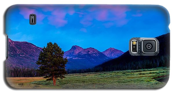 Evening At Christmas Meadows Galaxy S5 Case
