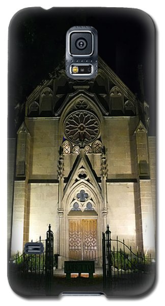 Galaxy S5 Case featuring the photograph Evening At Loretto Chapel Santa Fe by Kurt Van Wagner